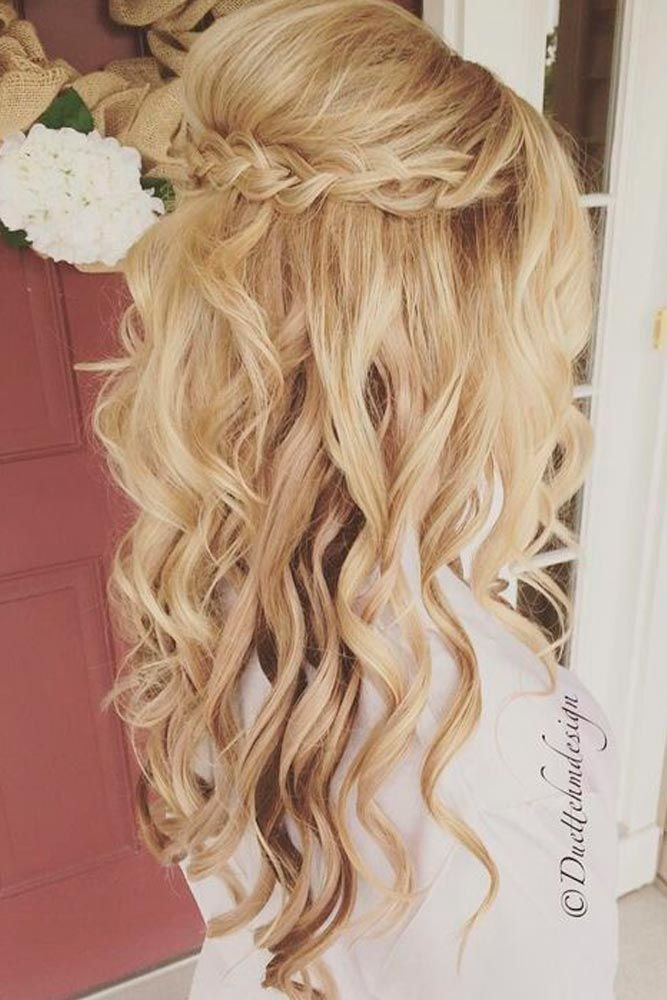 Special compilation of Christmas hairstyles for long hair.                                                                                                                                                                                 More