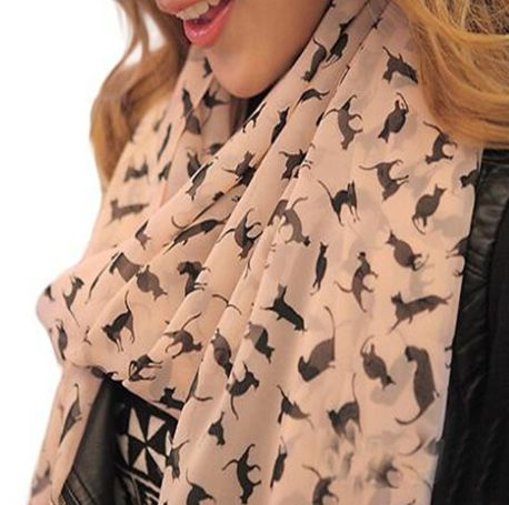 Adorable Cat Scarf! Show how much you love your furry feline with this adorable car scarf.