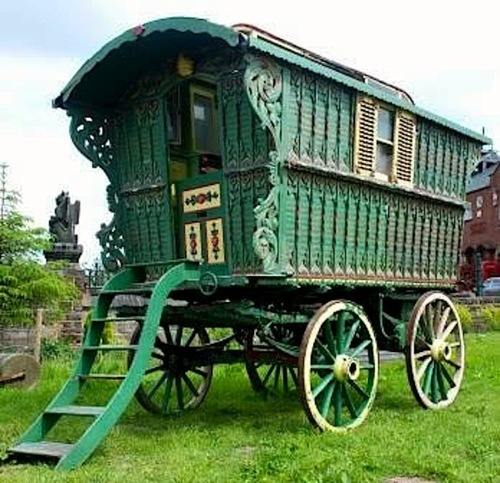 615 best caravans wagons and shepherds huts images on pinterest gypsy wagon shepherds hut - The mobile shepherds wagon ...