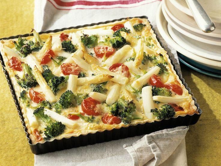 Spargelkuchen mit Brokkoli - smarter - Kalorien: 253 Kcal - Zeit: 45 Min. | eatsmarter.de