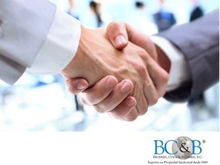 TODO SOBRE PATENTES Y MARCAS. En Becerril, Coca & Becerril desempeñamos funciones administrativas de soporte, coordinamos los portafolios de patentes y marcas registradas de nuestros clientes y les brindamos asesoría integral especializada para la protección de sus derechos de propiedad industrial. Le invitamos a consultar nuestra página de internet www.bcb.com.mx, o puede comunicarse con nosotros al 5263-8730 para conocer todos nuestros servicios.
