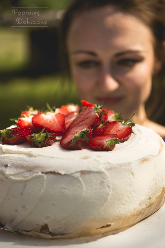 Przepis na najprostszy i najlepszy tort truskawkowy