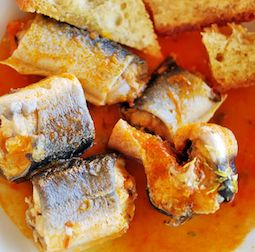 This eel recipe is cooked in the crockpot using wine and tomato - yummy... Eel is a very firm, tasty fish but it can be dry, so it benefits from the longer cooking time.