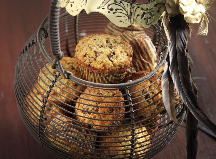 Fantastic Chocolate and Pear Muffins recipe by the greek chef Akis Petretzikis. Check the recipe and cook the best and delicious muffins for the whole family.
