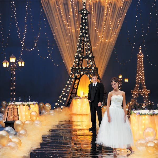 Love the back drop and the tulle light and balloon walkway