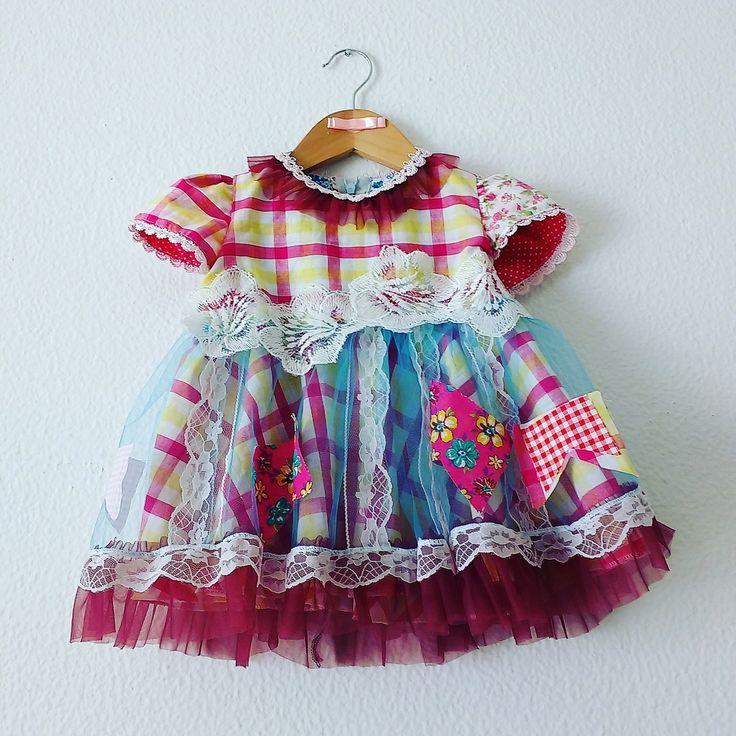 Vestido Caipira infantil tamanho 1 ano.