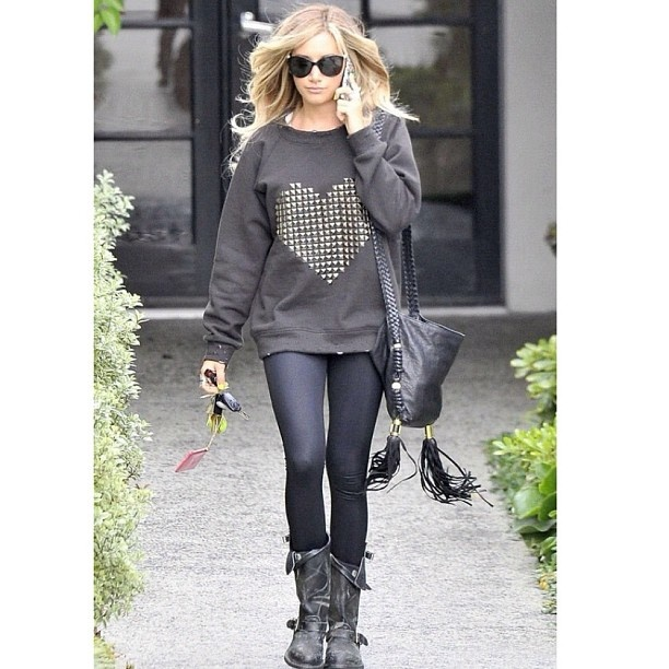 Edgy fall outfit...looks comfy too