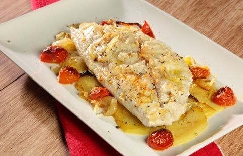 Orata all'isolana  http://www.puntoricette.it/Ricetta/orata-allisolana-video-ricetta/ #ricetta #pesce