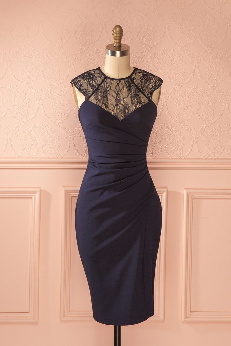 Ilayda - Blue lace neckline draped dress