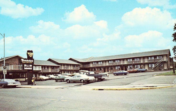 Thunderbird Motor Inn - St. Ignace,Michigan Postcard