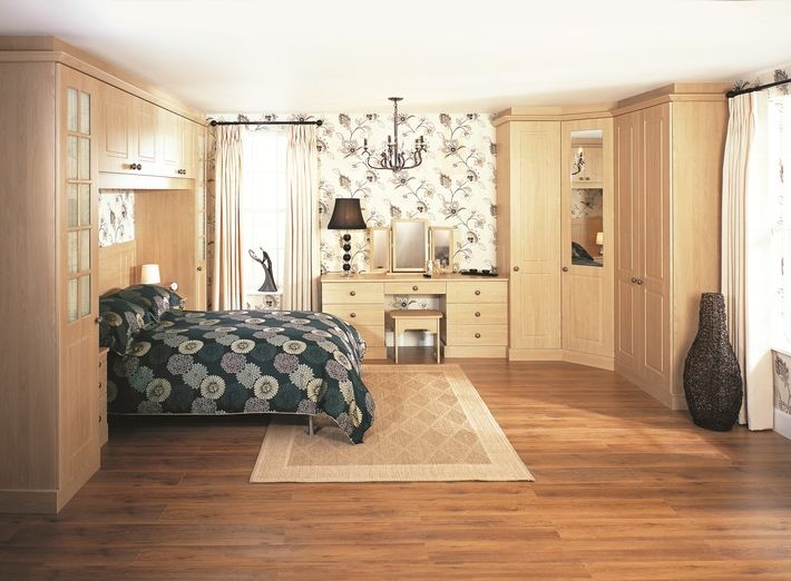 The Kielder Montana Oak bedroom design features a traditional bed bridge with a corner wardrobe and dressing table. There's a reason oak is always a timeless look and never falls out of fashion. This design is classically elegant and stylish.
