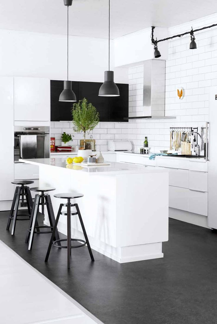 hektar hanging pendant lamps over the counter in the kitchen