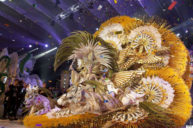 Cecilia Navarro, coronada reina del Carnaval de Santa Cruz de Tenerife 2016