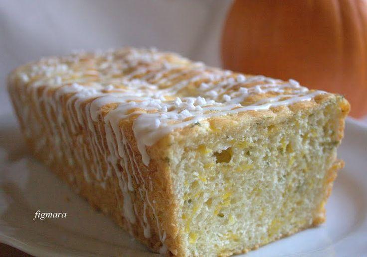 Drożdżowe ciasto z dynią i bazylią