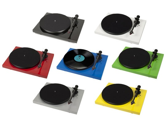 Project Debut Carbon turntable in 7 colours