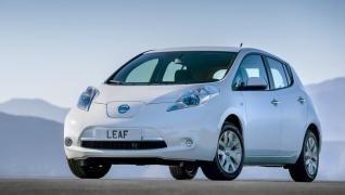 Así es el Nissan Leaf 2015: El Nissan Leaf 2015 es un compacto de 4,49 metros de largo y 5 puertas con una mecánica de 109 CV. Y a día de hoy es el coche eléctrico más vendido del mundo.