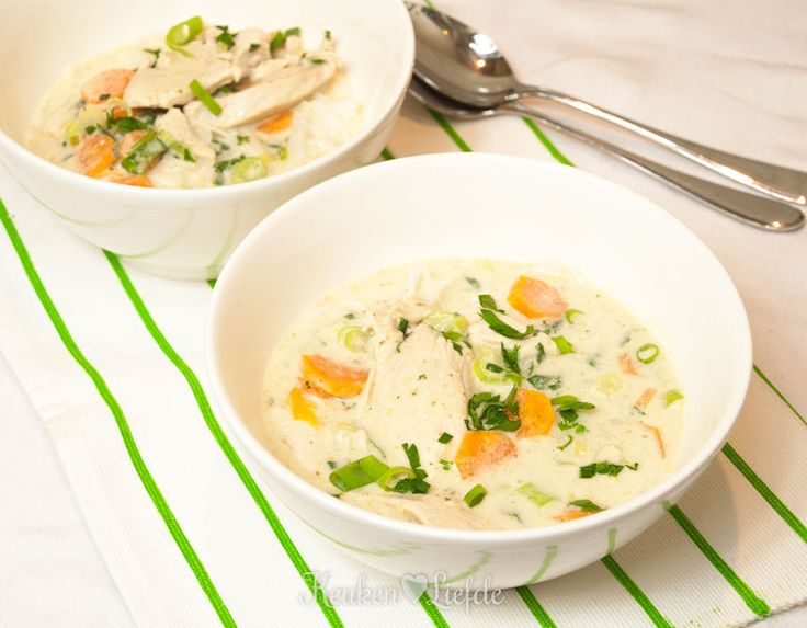 Ben je dol op soep, maar wil je weleens wat anders dan de Hollandse groente- of tomatensoep? Maak dan deze currysoep (laksa) uit Singapore!