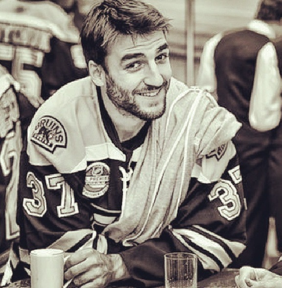 i dont care what hockey team you love....this man is gorgeous & he's a hell of a player!