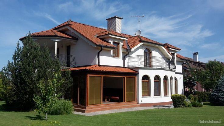 Luxusný 7,5 izbový rodinný dom s okrasnou záhradou.