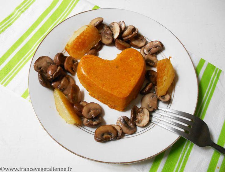 Le flan salé s'inscrit dans cette tradition du flan répandue au quatre  coins de France. Celui à la courge allie la joliesse et la finesse de sa  texture gélifiée à des qualités nutritionnelles remarquables (qu'il  conserve en partie même cuit).  Une fois bien revenue à l'huile d'olive, la chair de la courge (potimaron,  butternut, etc.) sera mixée et enrichie de crème, d'un liant végétal  (agar-agar), de sel et d'épices (curcuma, poivre). On le cuit ensuite au  four (ou au bain-marie) dans…