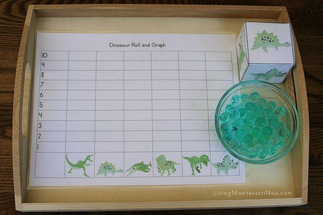 Dinosaur Roll and Graph: Graph Trays, Dinosaurs Rolls, Glasses Gems, Water Beads, Dinosaurs Fun, Montessori Inspiration, Kindergarten, Preschool Dinosaurs, Teacher Printable Dinosaurs