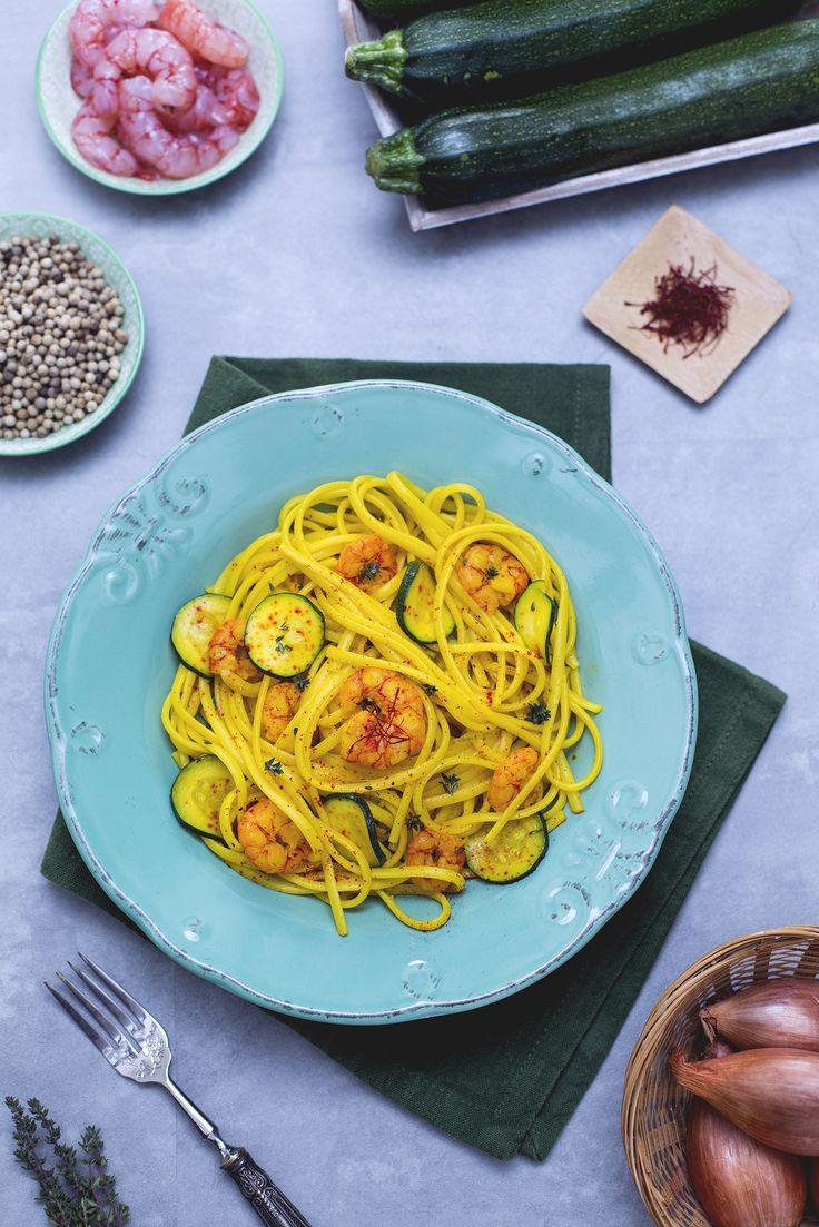 #Zucchine e #gamberetti: una delle coppie più belle del mondo quando si tratta di cucina! Ci ho condito le #linguine e ho aggiunto il tocco di colore e sapore: lo #zafferano! Volete favorire?