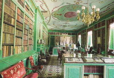 Palacio de Liria. Residencia de la Duquesa de Alba en Madrid. Biblioteca.