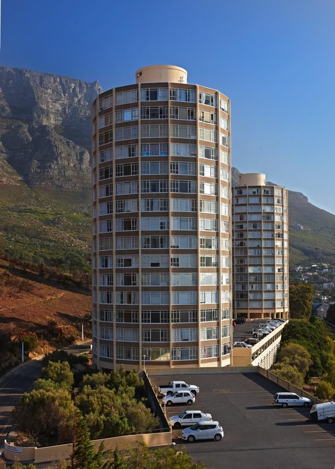 Disa Park: the iconic towers at the foot of Table Mountain.