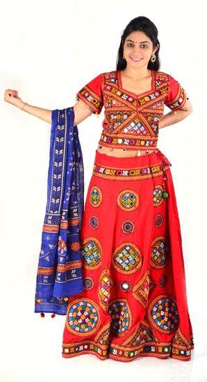 Kutchi work Embrodiery Gujarati Orange Chanya Choli #dandiya #Chanyacholi #gujraticholisuit #DesignerCahnyacholi