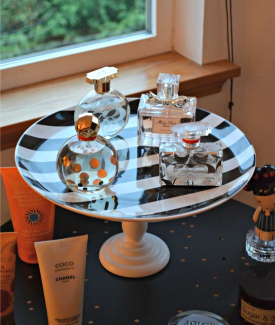 DIY Perfume Stand - Simple and cute way to store perfume bottles #diy #perfume