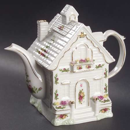 Royal Albert Old Country Roses House Teapot & Lid