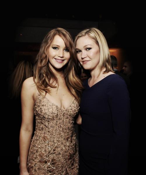 Jennifer Lawrence And Julia Stiles. Love Them!
