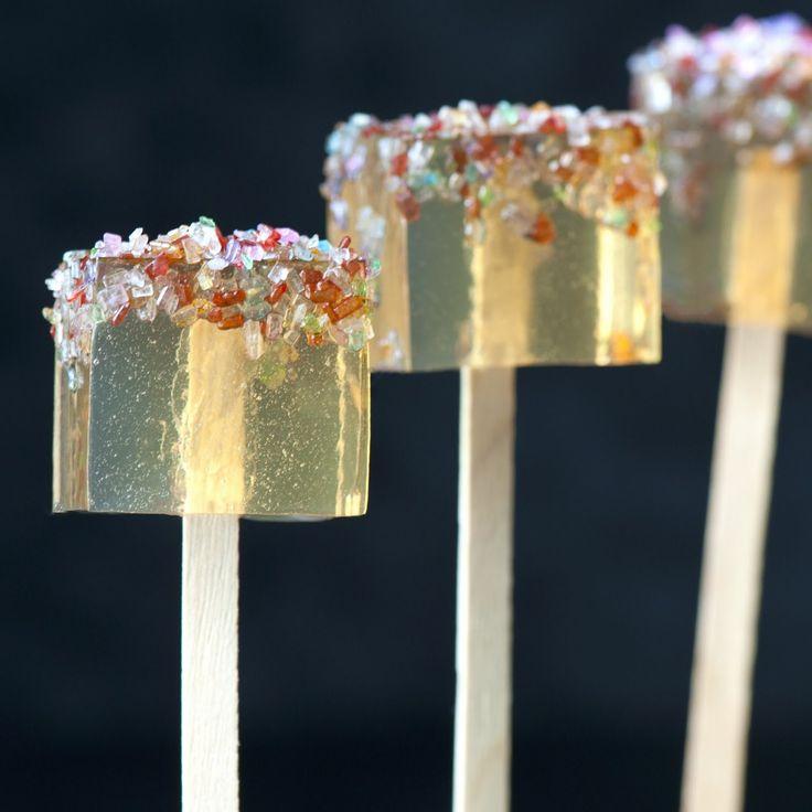 Gourmet Jell-O Shots: Butterbeer Jelly Shots (creme soda, vanilla vodka, butterscotch schnapps)