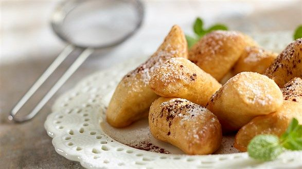 Poznaj nasz przepis na sycylijskie cannoli, czyli ciasteczka nadziewane kremem z serka ricotta o smaku limonki. Musisz spróbować!