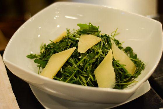 Salata ruccola cu parmezan