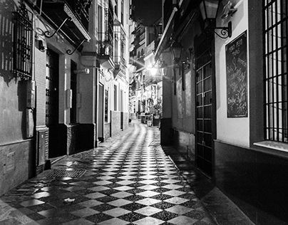 "Check out new work on my @Behance portfolio: ""Sevilla by Night"" http://be.net/gallery/38583835/Sevilla-by-Night"