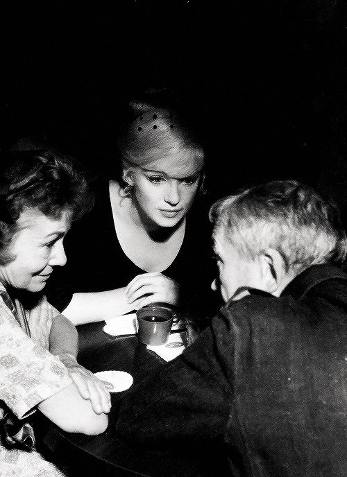 Thelma Ritter, Marilyn and John Huston on set of 'The Misfits' 1961