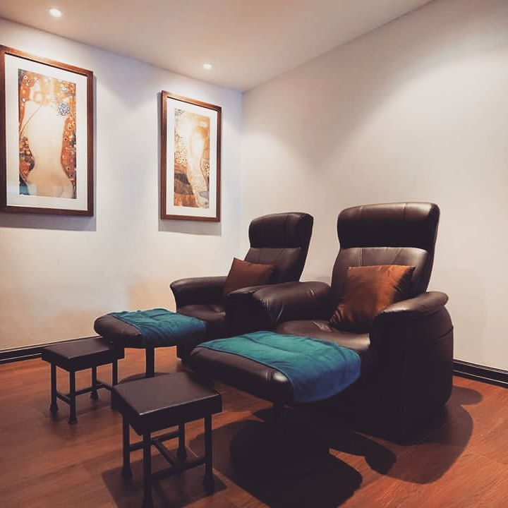 Chillax resort massage center is a serene place to rejuvenate your body and mind with our personalized treatments. Website: http://ift.tt/1RNf9j7 #chillax #romantic #resort #romantichotel #couplehotel #chillaxhotel #chill #boutiiquehotel #bangkoktravel #boutique #khaosanroad #massage