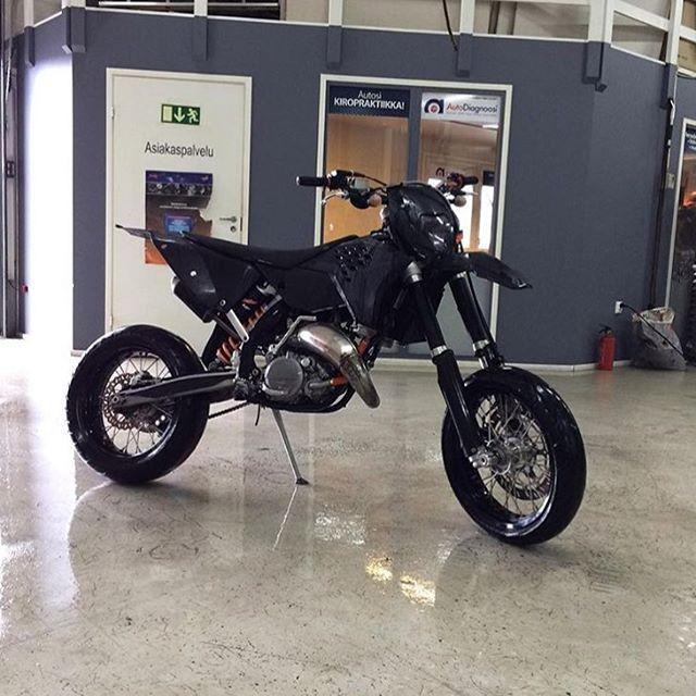 25 best ideas about ktm 125cc on pinterest ktm atv dirt bike toys and 125cc dirt bike. Black Bedroom Furniture Sets. Home Design Ideas
