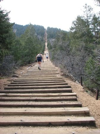 Hiking the Manitou Incline, CO Springs. 1 mile, and 2000 feet of elevation!?!?Colorado Spring