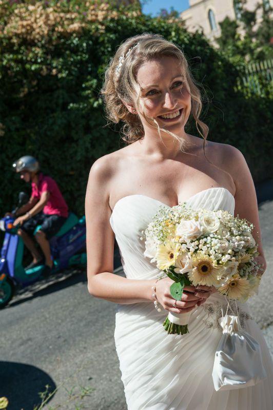 Withe gerberas bouquet
