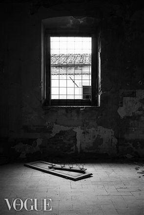 PhotoVogue, abandoned places, black and white, conceptual photography, Tuscany, Pisa, Nicosia