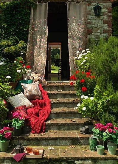 Afternoon Tea, Great Britian: Doors, Secret Gardens, Dreams, Shabby Chic Gardens, Afternoon Teas, Curb Appeal, Places, Stairways, Gardens Stairs