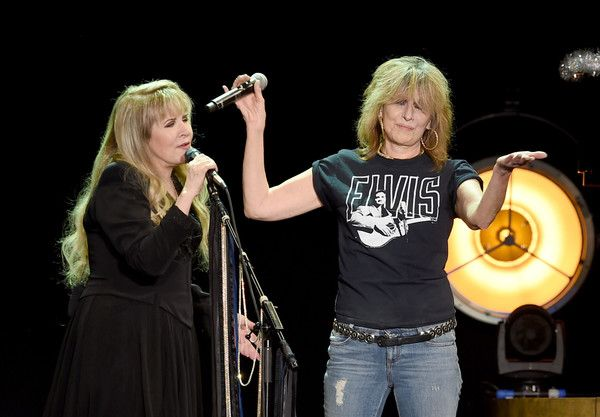 Chrissie Hynde Photos Photos - Singer/songwriter Stevie Nicks and musician Chrissie Hynde of The Pretenders perform at The Forum on December 18, 2016 in Inglewood, California. - Stevie Nicks And The Pretenders Perform At The Forum