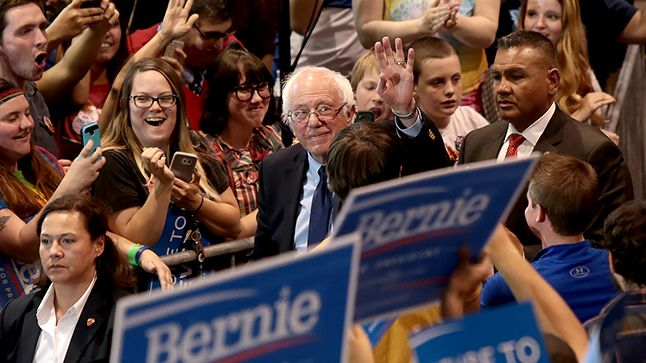 Bernie Sanders is the third-party candidate you've been waiting for -- After all, he has zealous supporters and no demonstrated loyalty to the Democratic Party.