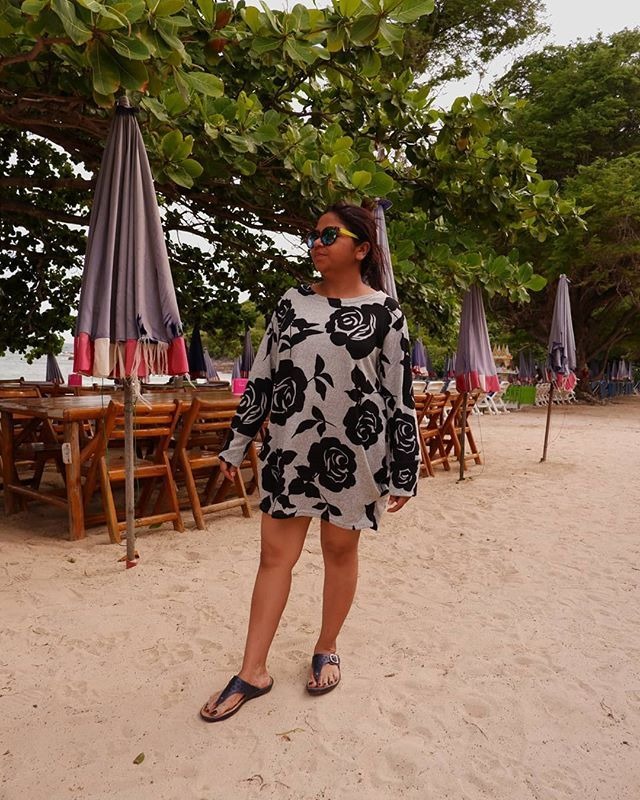 Lost in Thailand 2019.  Discovering the serene atmosphere of Koh Larn island near Pattaya with  Tabassum Farhat.gulzarhai  ____ #bangkok2019 #pattaya …