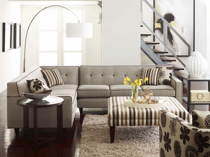 Rowe Furniture Dorset Corner Sectional With Wooden Legs