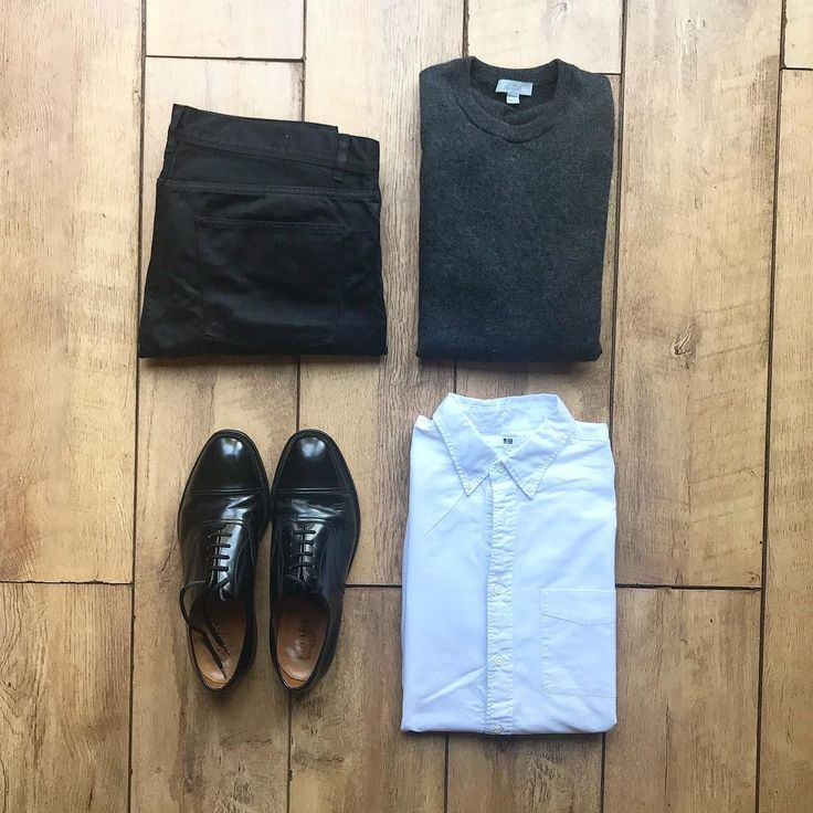 Smart casual #tngoutfitgrid ________ Shoes: @loakeshoemakers Shirt: @uniqlo Trousers: @reissfashion Jumper: @cosstores ________ #outfitgrids #gqstyle #styleformen #ootd #lookbook #flatlay #flatlays #outfitgrid #falloutfits #mensstyle #outfitinspo #ootdmen #ootdfashion #cosstores #cos #reiss #loake #loakeshoes #uniqlo