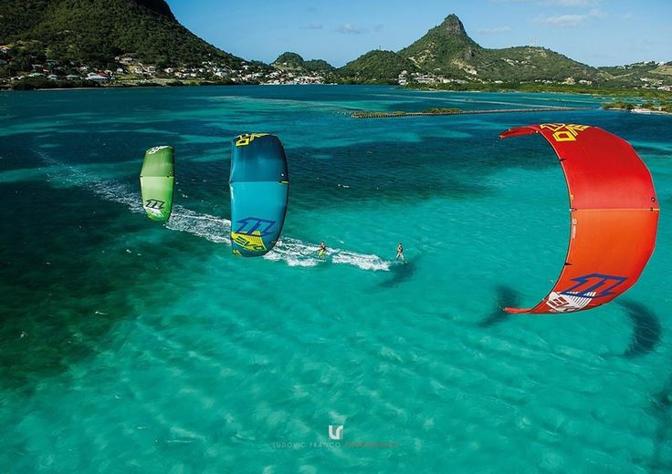 North Kiteboarding  by Adoscool.com