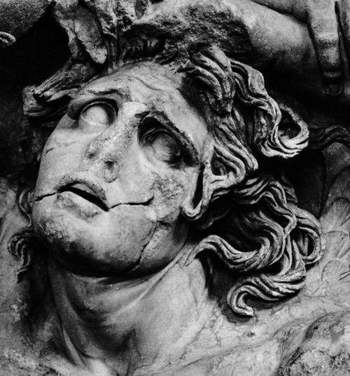 what is a greek tragic hero
